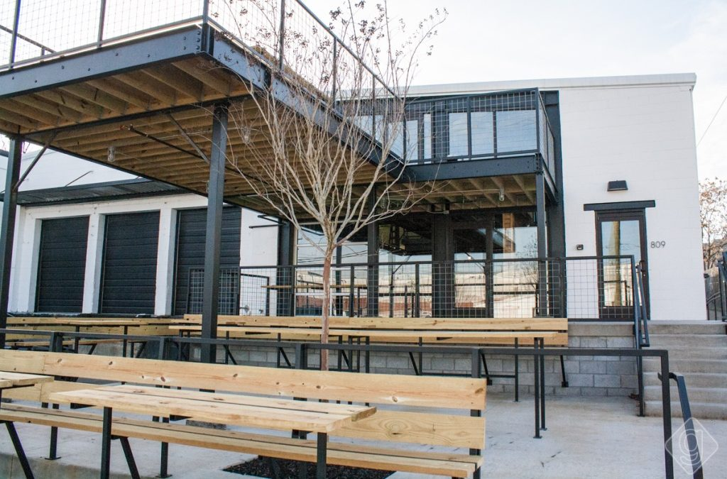 5 Dog Friendly Patios in Nashville